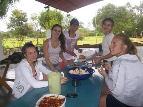 Chicas en el Campamento del Distrito Norte 2013